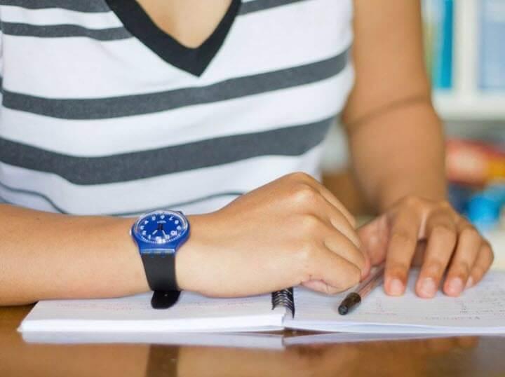 القلم والورقة أساس المذاكرة