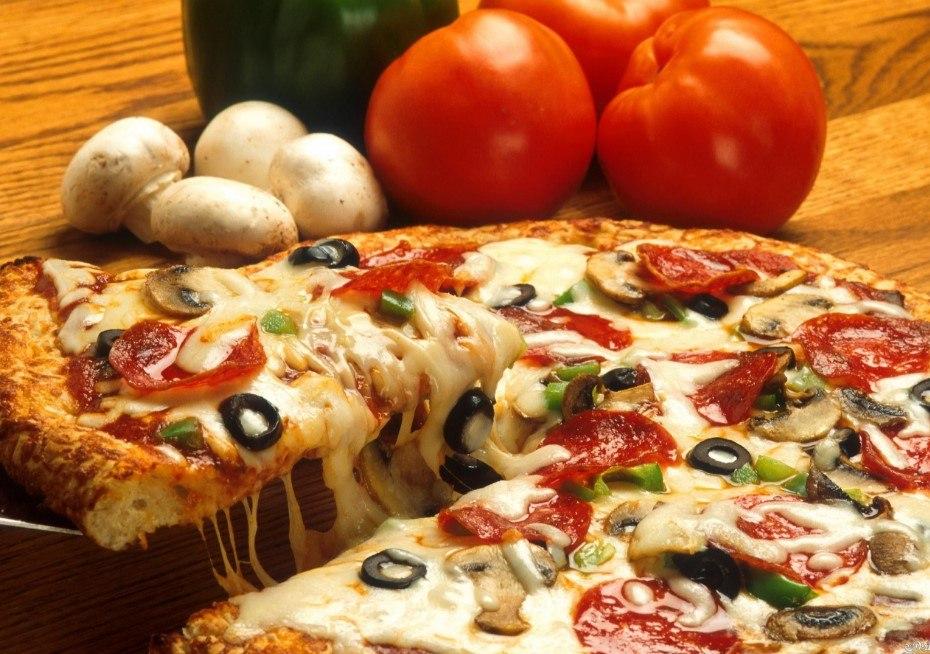 طريقة عمل البيتزا بعجينة خلية النحل