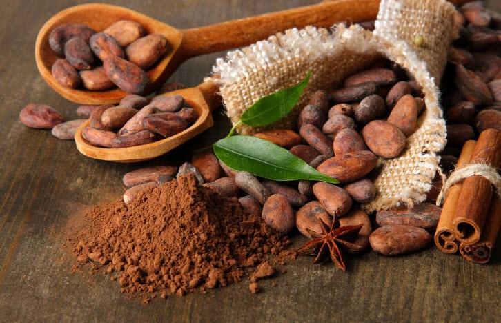فوائد زبدة الكاكاو للشفايف