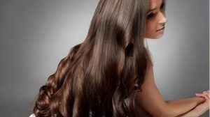 أفضل الوصفات الطبيعية المجربة في تطويل الشعر بسرعة