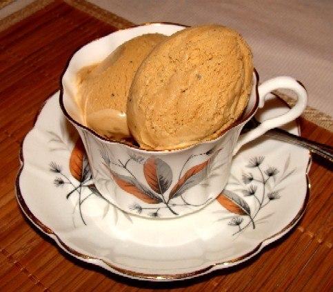 الأيس كريم مع القهوة