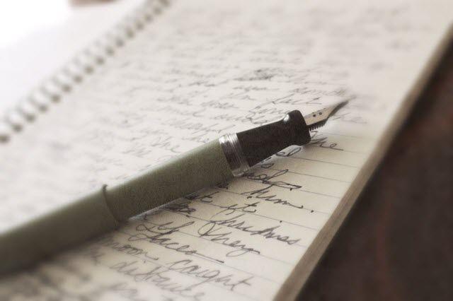 تخصيص 5 دقائق يوميًا لكتابة اليوميات