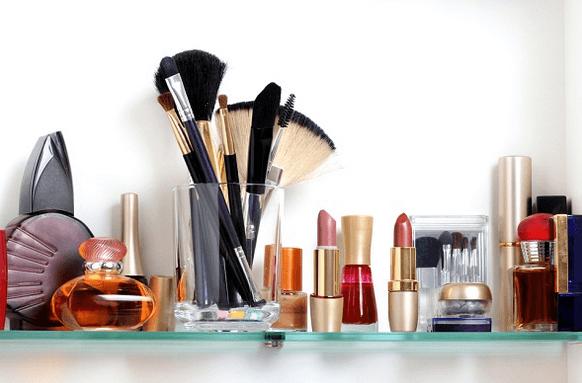 دليلك المبسط عن أدوات التجميل والمكياج