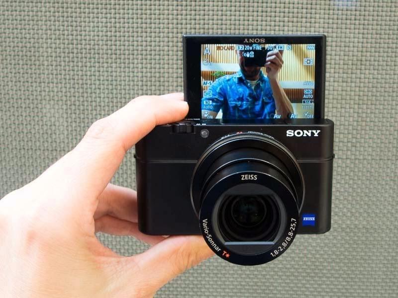 طريقة تصوير السيلفي باستخدام هذه الكاميرا