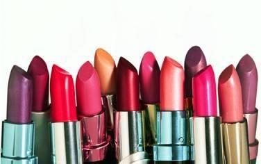 (lipsticks) الروج أو أحمر الشفاه