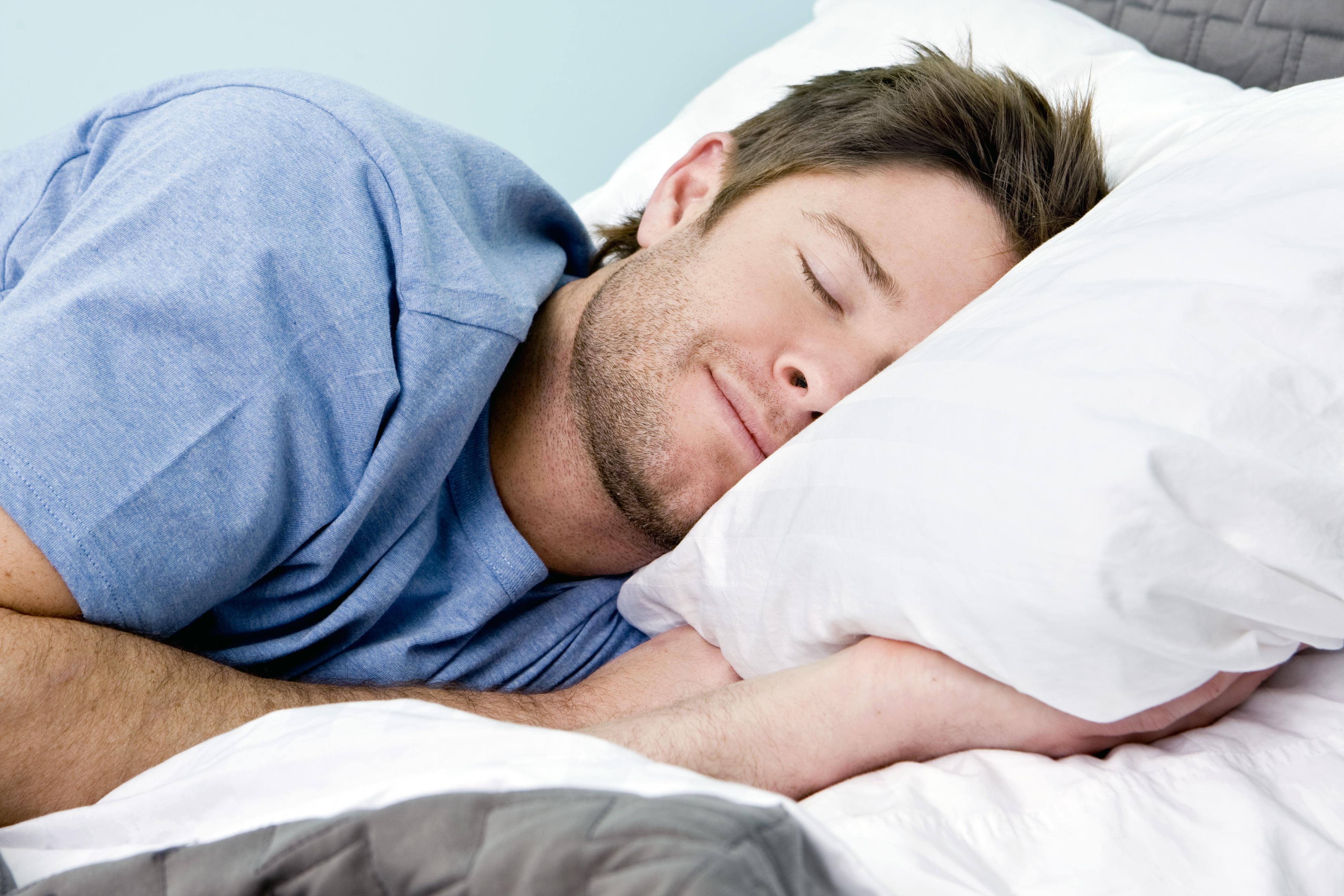 أسباب كثرة النوم ومعدل النوم الطبيعي