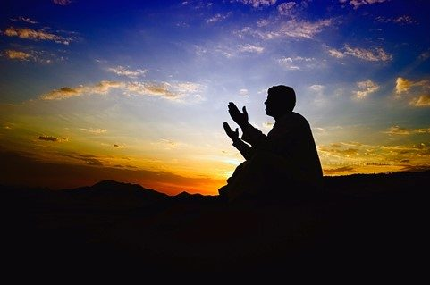 أجمل الأدعية للتضرع إلى الله عزو وجل