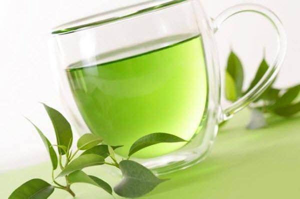 علاج احتقان الأنف بدون أدوية بالشاي الأخضر الساخن