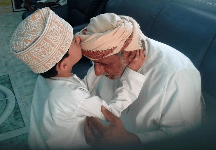 بر الوالدين في الدنيا وبعد الممات
