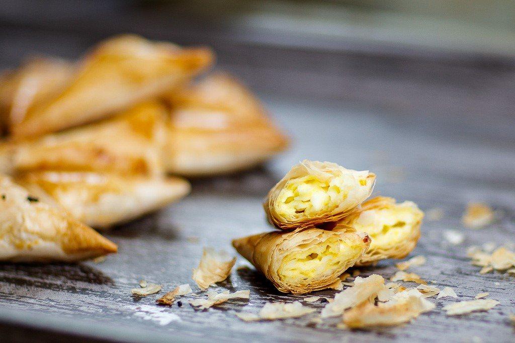 طريقة عمل سمبوسك بالجبنة في الفرن