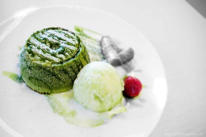 كيكة البركان بالشاي الأخضر