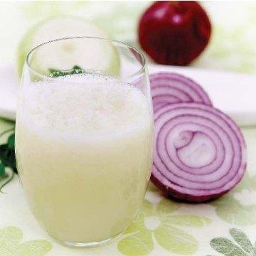استخدام عصير البصل الخام وكيفية اعداده والتخلص من رائحته الكريهة