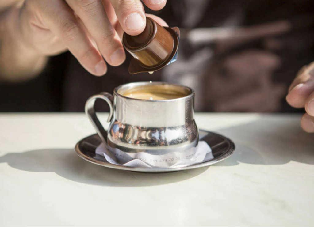 الكريمة مع القهوة