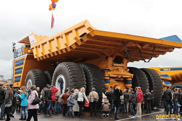 أضخم شاحنة في العالم