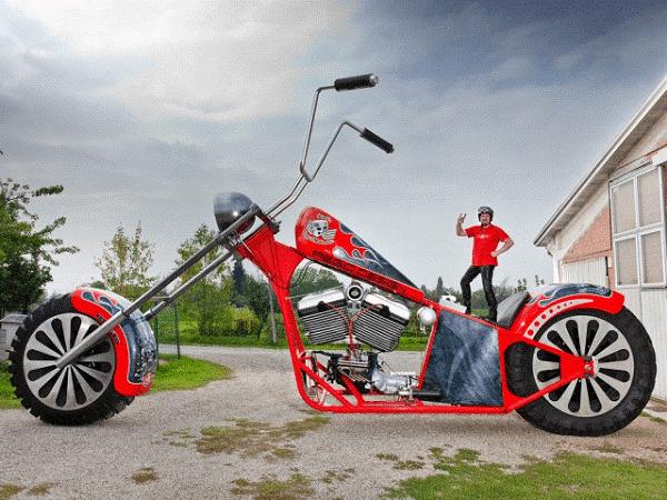 أكبر دراجة نارية