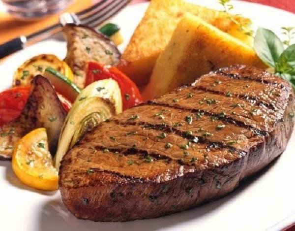 تفسير أكل اللحم في المنام اللحم المطبوخ والنيء في الحلم مجلتك