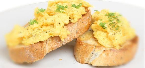 تناول البيض المخفوق