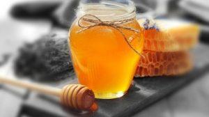 فوائد العسل التي يمكنك الحصول عليها من تناول ملعقة واحدة
