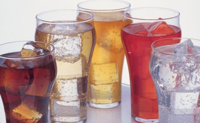 هل المشروبات الغازية مضرة للحامل والجنين