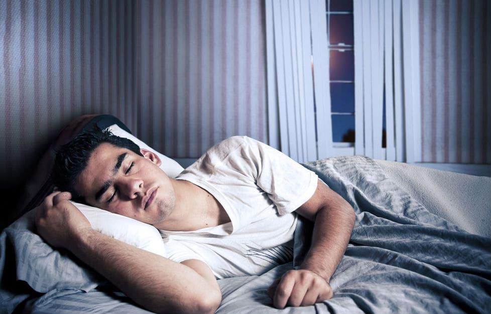 التخلص من النعاس بالنوم الكافي