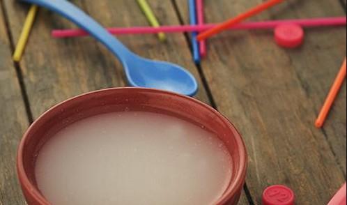 ماء الأرز للأطفال الرضع وفوائده المُذهلة لتسمين المولود النحيف