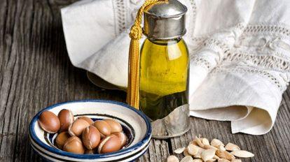 الذهب السائل – فوائد زيت الأرغان للشعر