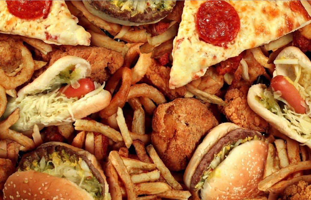 الأطعمة التي تسبب غازات في الأمعاء وكيف يمكن تناولها بأمان مجلتك