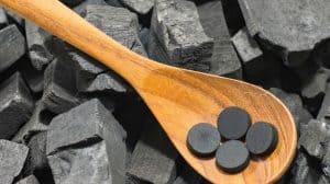 حبوب الفحم لطرد الغازات وغيرها من الاستخدامات المدهشة