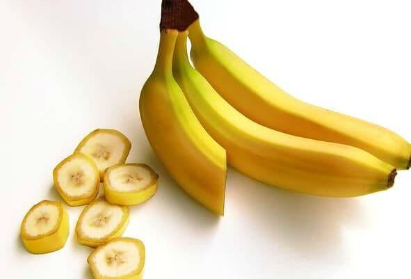 فواكه مفيدة للقلب وأهميتها حماية فوائد-الموز-للقلب.jp