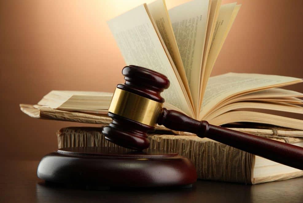 كل ما تحتاج لمعرفته حول تخصص القانون والدراسات والمجالات الوظيفية