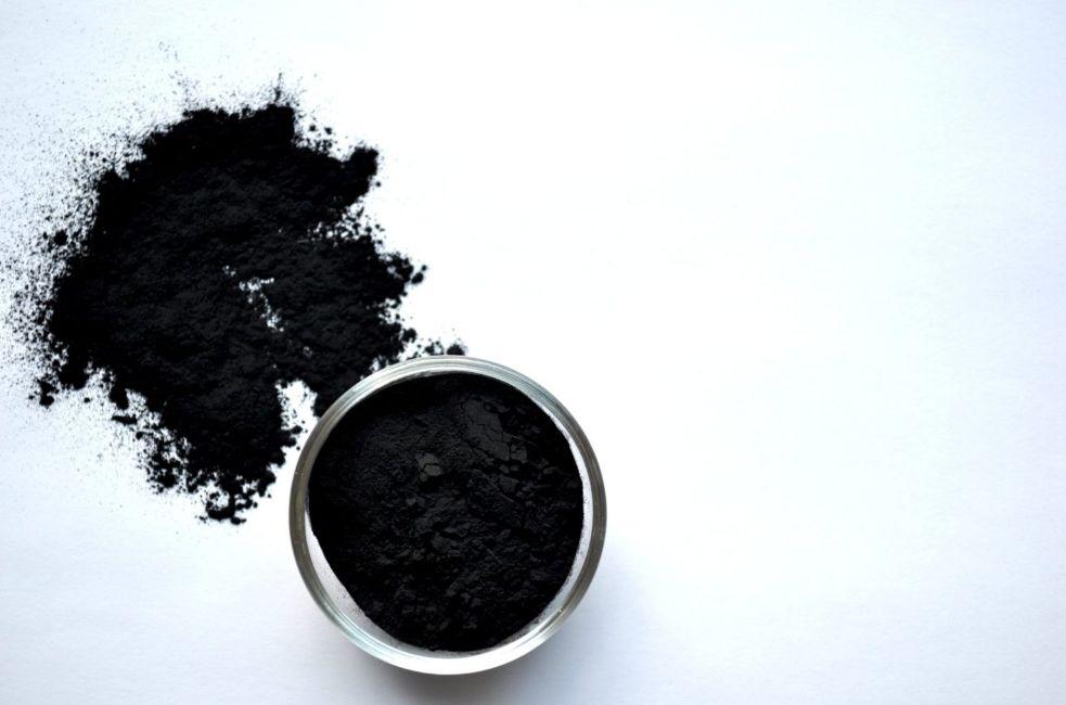 الماسك الأسود