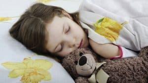 زيوت عطرية تساعد على النوم