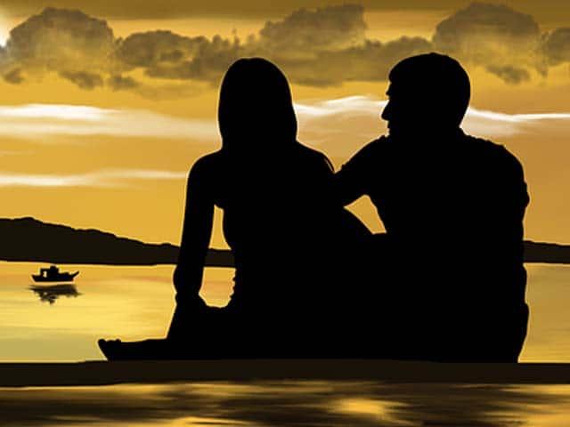 عشرة أشياء مهمة جدًا قبل أن تخوض علاقة عاطفية