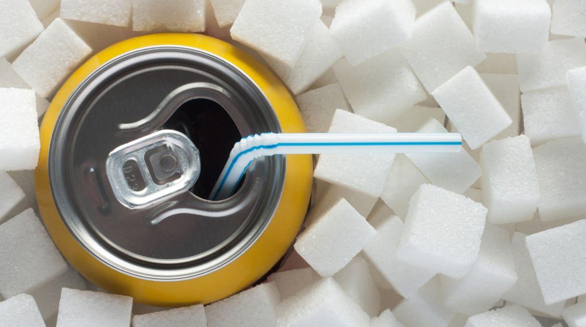أضرار المشروبات الغازية وآثارها السامة