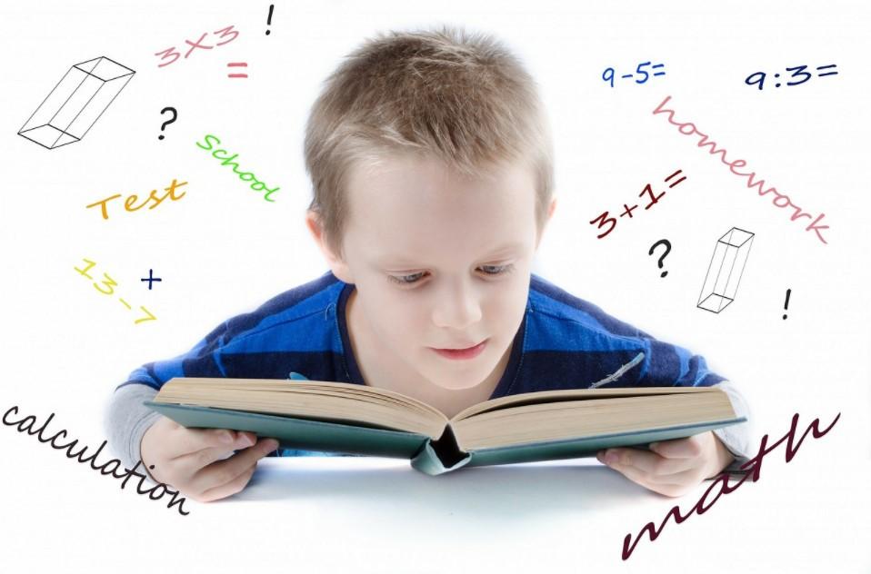 أفكار تُساعدك في تحفيز أطفالك على المُذاكرة
