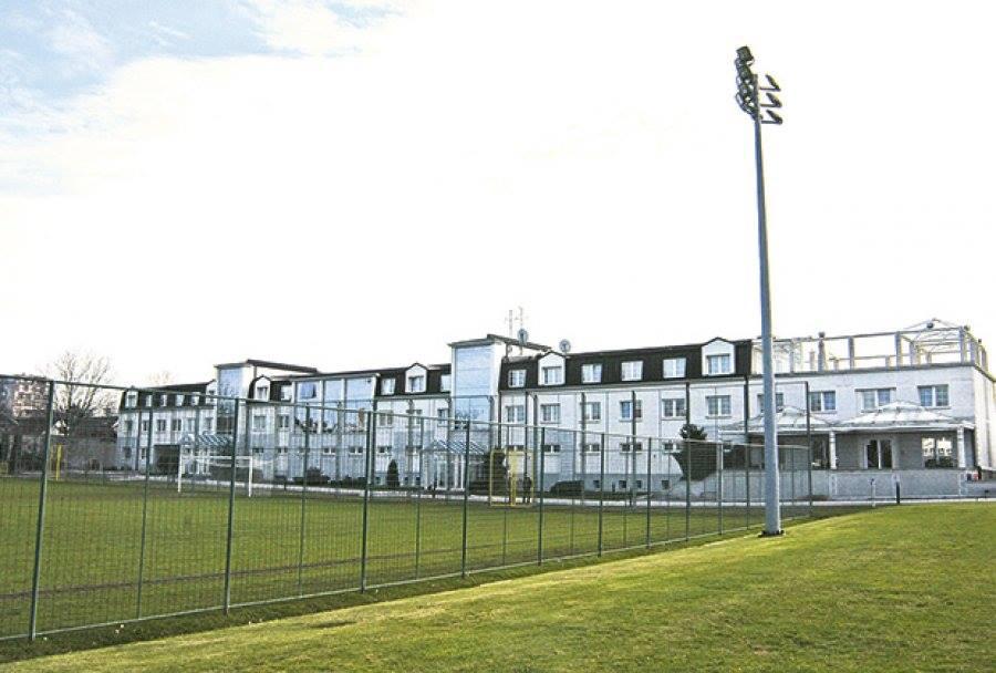 أكاديمية كرة القدم بارتيزان في بلغراد - صربيا