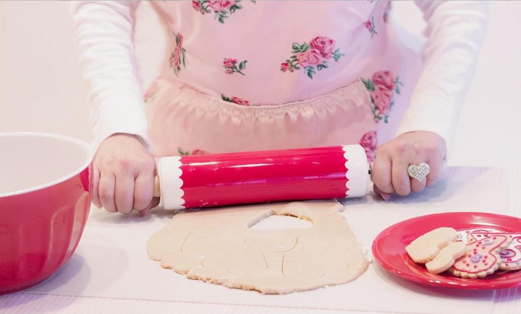 أدوات تستخدم في تجميل التورت والجاتوهات ... تعرفي عليها