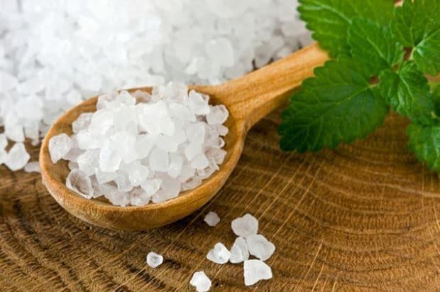 فوائد الملح لنضارة البشرة
