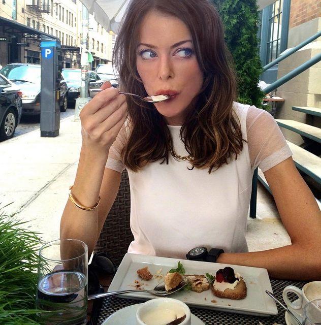 اتباع العادات الصحية في تناول الطعام