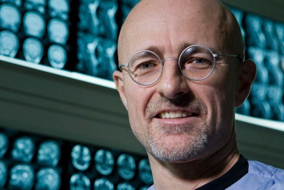 الطبيب سيرجيو كانافيرو وأول عملية زرع رأس لإنسان