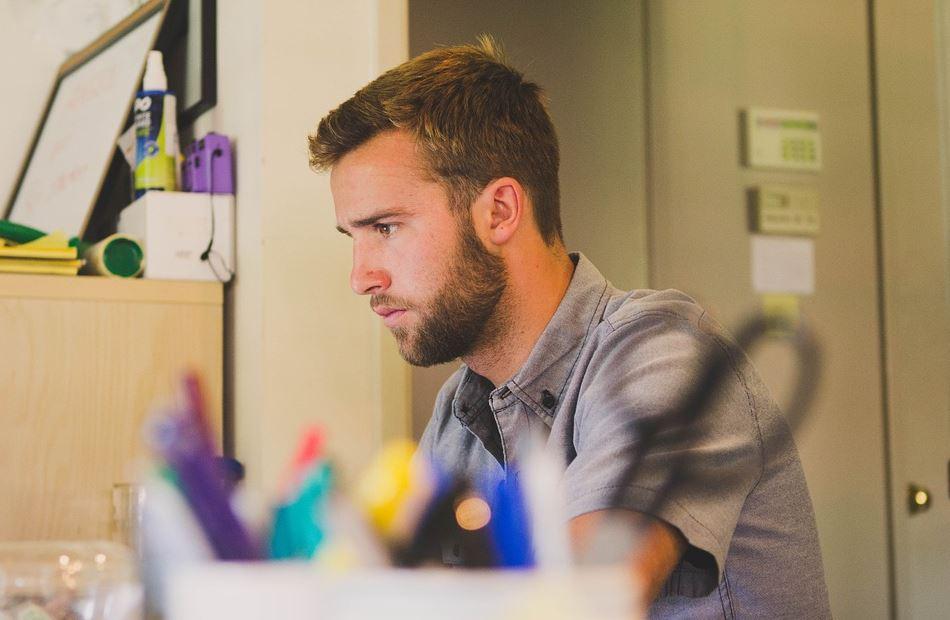 كل ما تود معرفته عن العمل على الانترنت وكيف تبدأ؟