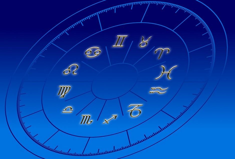 لماذا يرغب الإنسان دائمًا بتصديق توقعات الأبراج ومعرفة المستقبل؟
