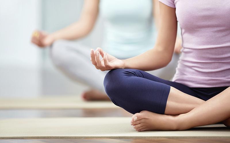 ممارسة اليوغا