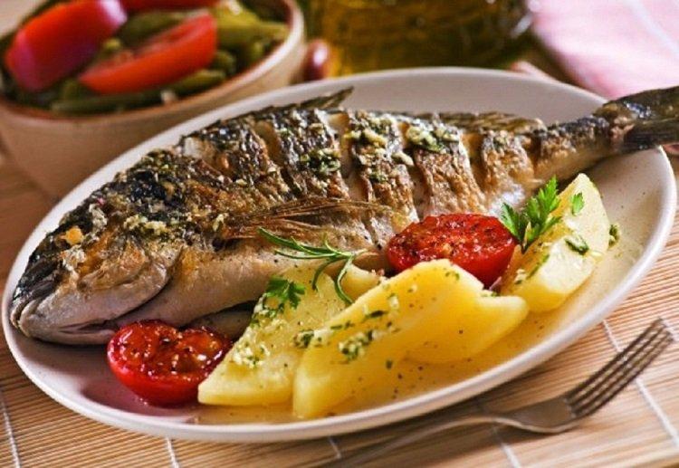 وجبة سمك مشوي