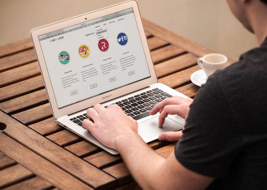 كيف يمكن إنشاء موقع مجاني غير مدفوع بخطوات بسيطة؟