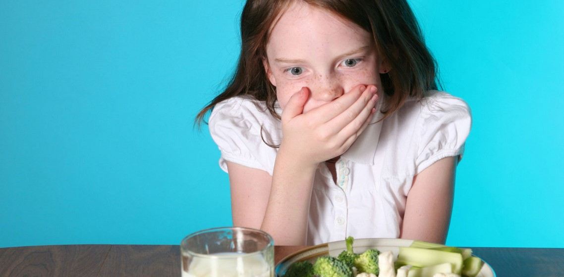 القيء عند الأطفال أسبابه وطرق علاجه مجلتك