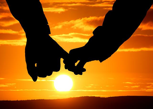 أشهر مقولات عن الحب ستقلب حياتك رأسًا على عقب