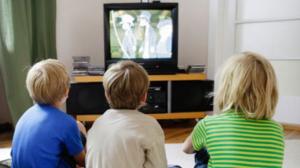 تأثير التلفاز على الأطفال وتغيير سلوكياتهم
