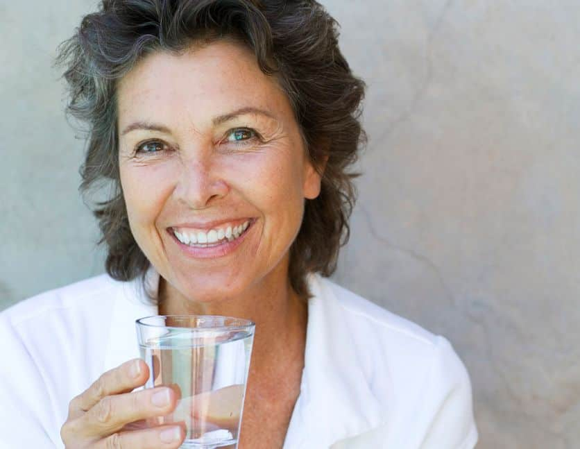 شرب الكثير من الماء وتناول الطعام الصحي