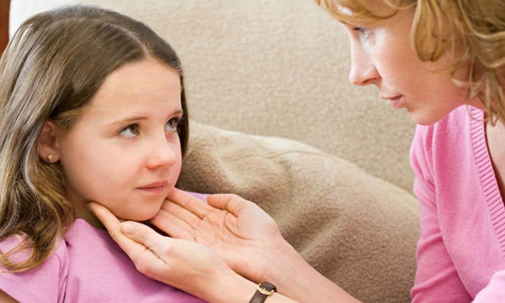 علاج التهاب اللوزتين عند الأطفال